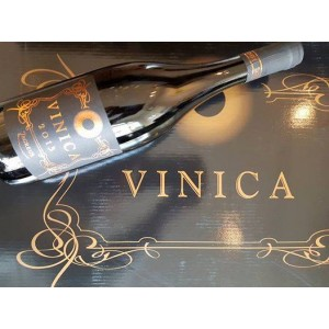 VINICA MAVRUD BIO | From dried grapes | 6 x Vertical